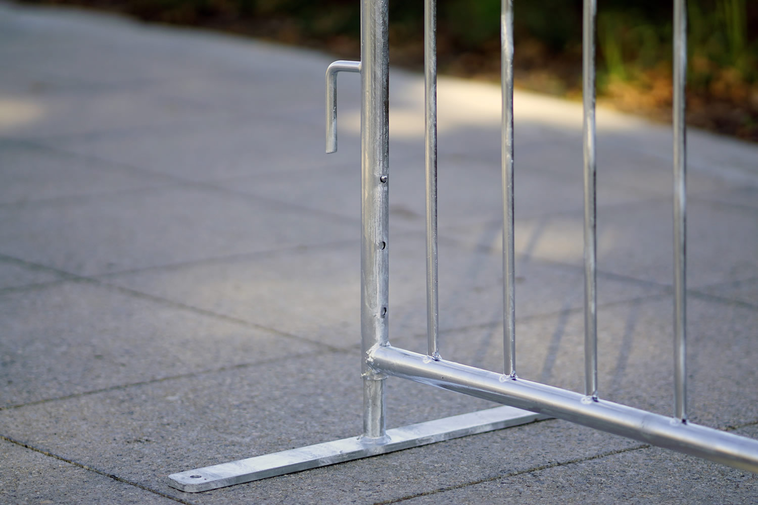 Adjustable height metal barricade, Low